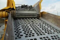 square-perforated-vibrating-screen-crushed-stone-quarries